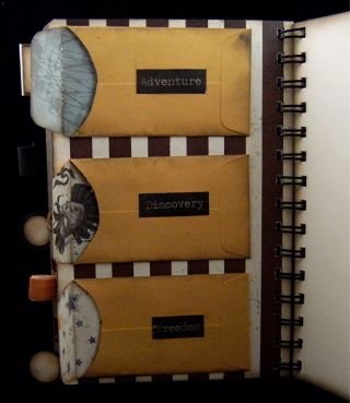 Divider 4 backside with coin envelopes